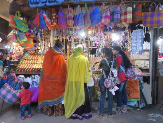 things to do in mysore: devaraja market