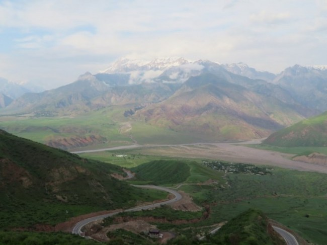 My first view into Afghanistan during my Pamir highway tour in Tajikistan