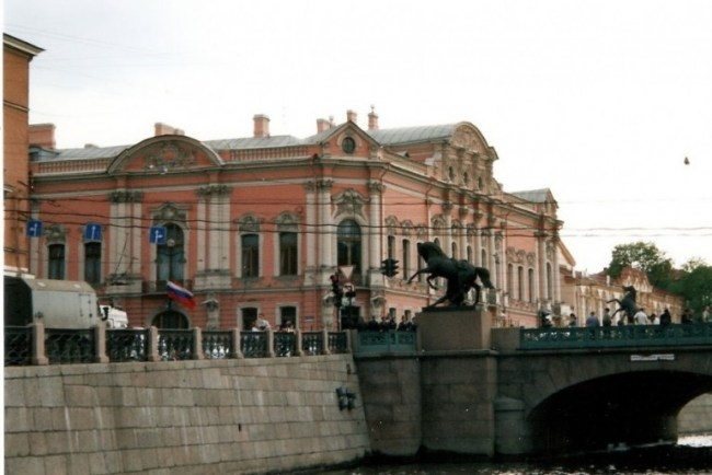 Anichkov bridge. A must on any St Petersburg itinerary on how to spend 4 days in St Petersburg