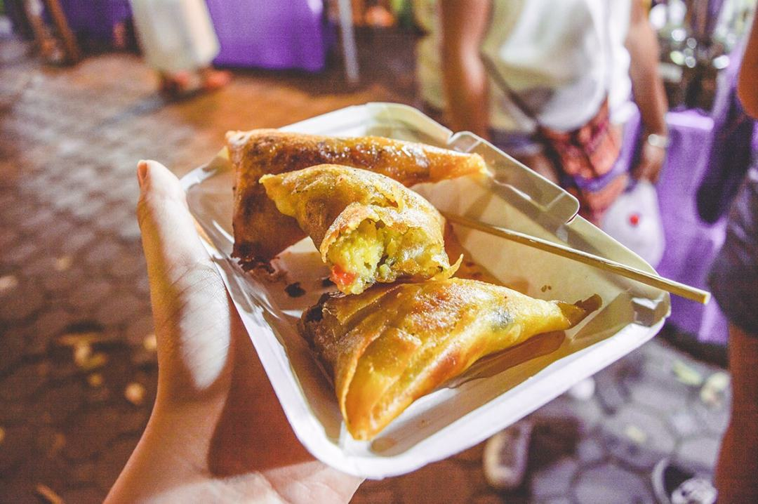 Cheap Eats In Chiang Mai, Thailand | Budget travel | Chiang Mai| Thailand | Backpack Thailand | Travel South East Asia | backpacking | markets of thailand | Eating in Thailand | Where to eat in Chiang Mai | Thailand street food | Do not miss | Backpackers Wanderlust |