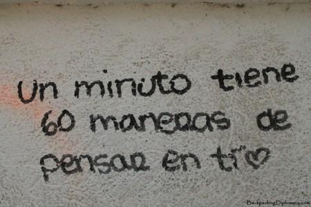 Cordovan love notes. Un minuto tiene 60 maneras de pensar en ti. One minute is 60 ways to think of you.