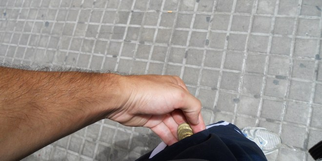 Pickpockets in Barcelona: How to avoid them