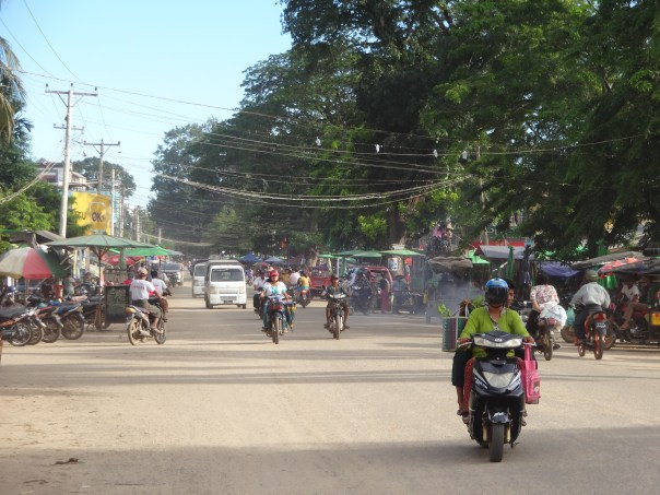 Street view in Katha (Myanmar, 2016).