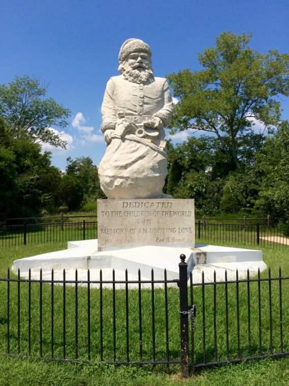 Santa Claus Statue Indiana