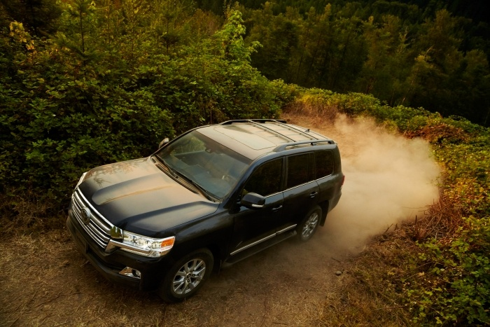 2016 Toyota Land Cruiser 01 830113BAA23AC24F3959EB776266687D89C6CA2C - How to Choose the Best Car for Your Cross-Country Road Trip