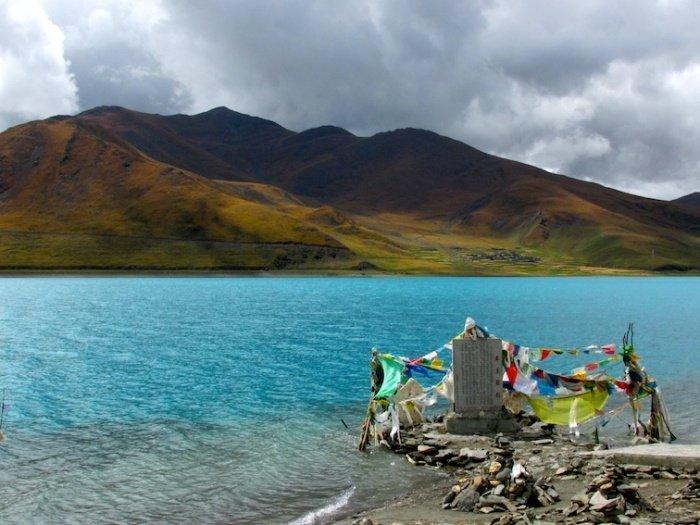 Yamdrok Lake - 5 Adventures You Need to Take on a Road Trip through Tibet