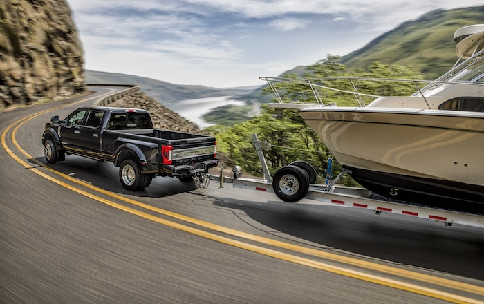 1420917 17 FRD FSD 200068 F450DRWPlatBlkBoat0083 - The All-New 2017 Ford Super Duty Owns Recreation!