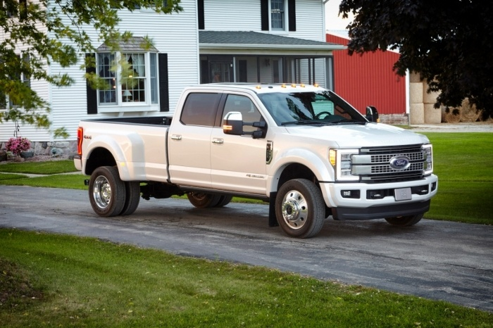 17FordF450Platinum 4583 HR - The All-New 2017 Ford Super Duty Owns Recreation!