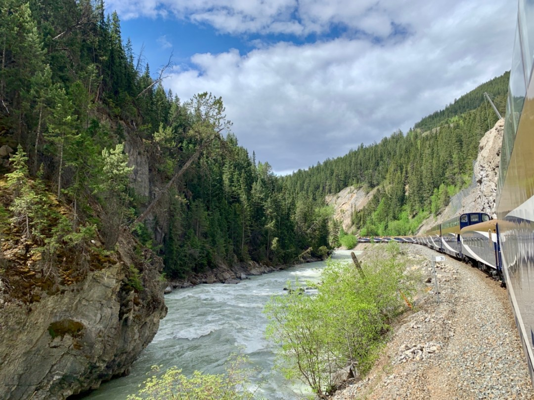 Rocky Mountaineer Train Curve - All Aboard the Rocky Mountaineer! An Insider's Guide to Your Journey by Rail