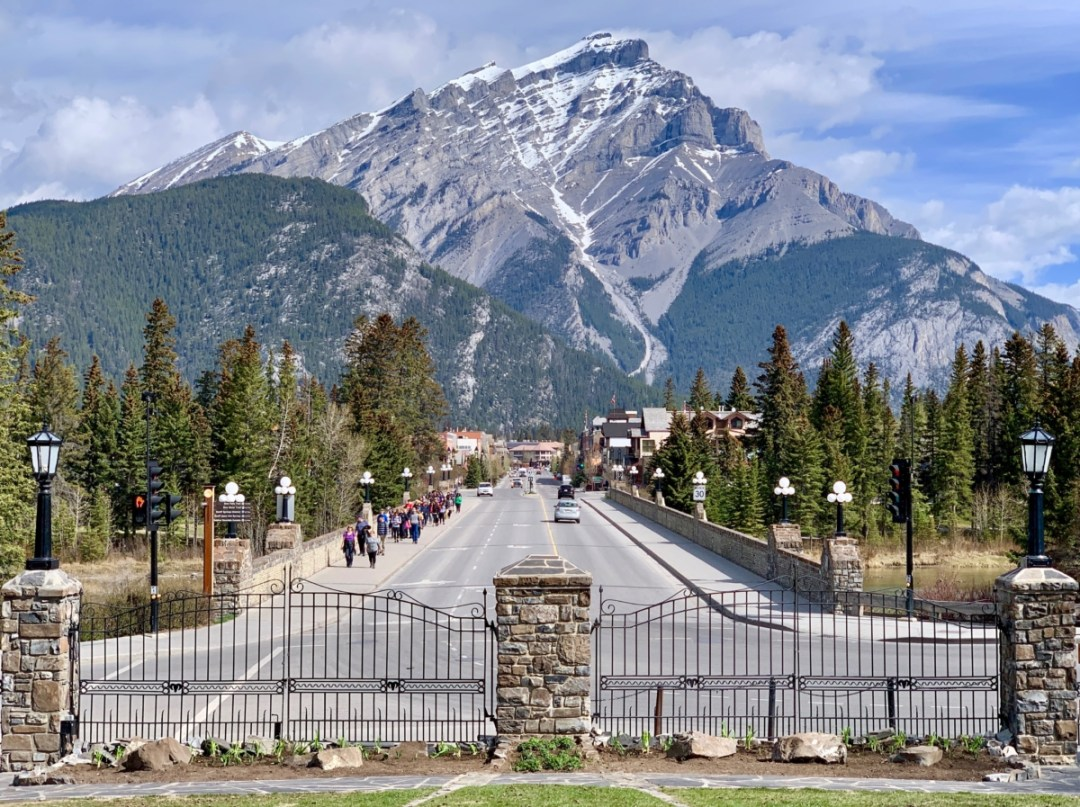 Banff Avenue - The Best Sites & Activities for a Town of Banff Adventure
