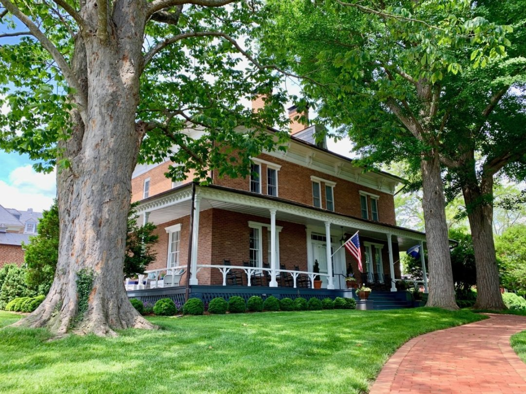 Robert E Lee House - Scenic & Historic Things to Do in Lexington, Virginia
