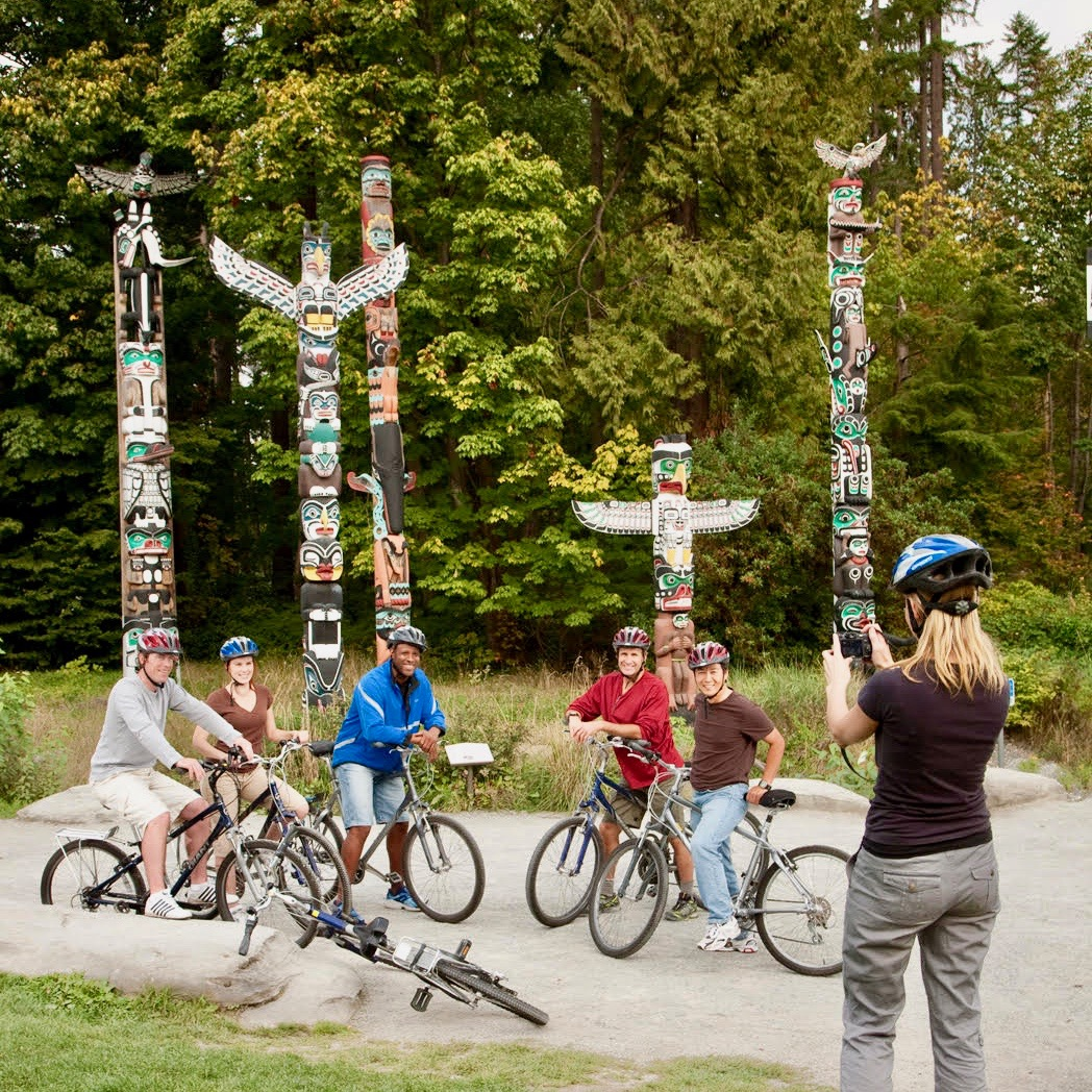 Stanley Park Totems and Bikes - Tour Capilano Suspension Bridge Park and See Vancouver in a Day
