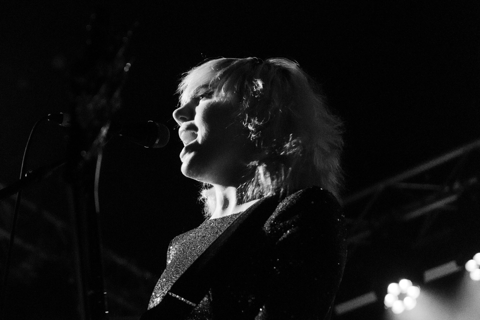 Photo of Julia Cumming of Sunflower Bean on stage at Glasgow Art School on 26 November 2018