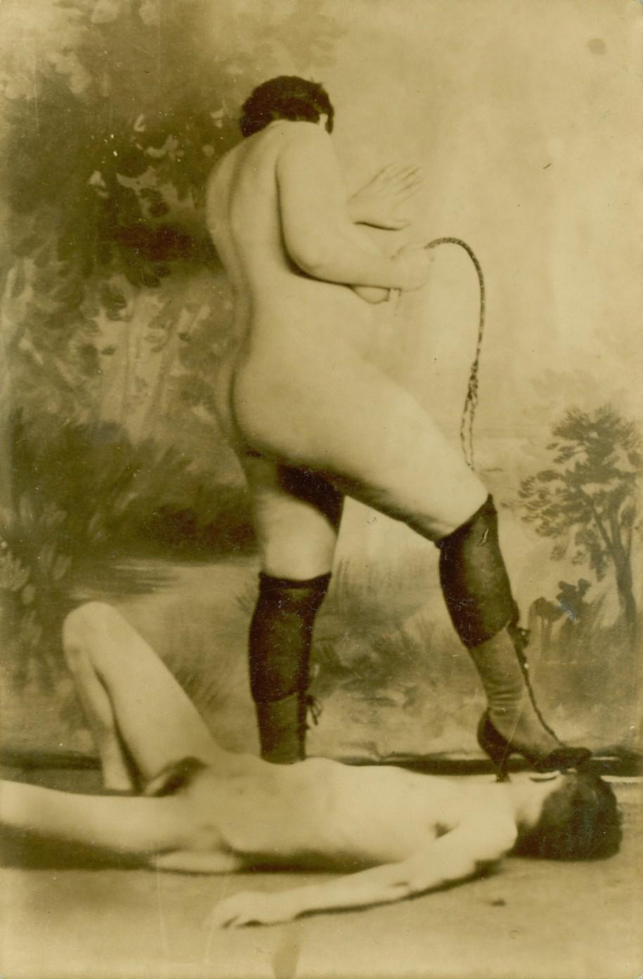 Δονητής λεσβίες γαμημένο, Εφέ ήχου δέρνω, Η πέιτζ hilton κάλτσα φετίχ.