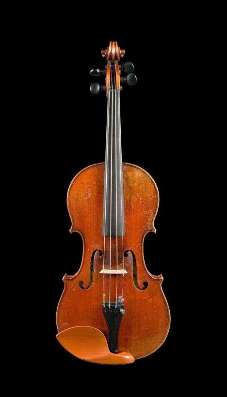 french-violin-by-justin-derazey