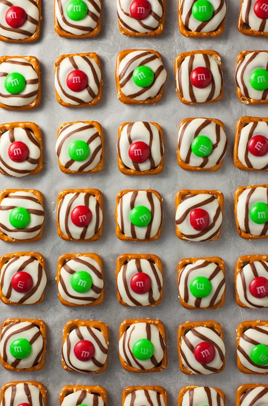 Pretzel M&M Hugs (Christmas Style) from Cooking Classy