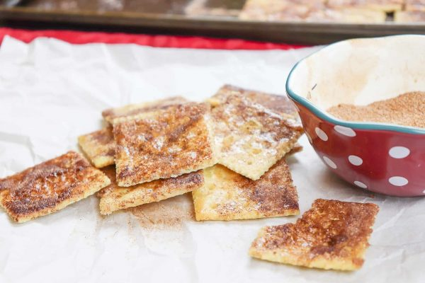 The sugar crackers recipe includes cinnamon. This is an easy recipe to make and a delicious dessert.