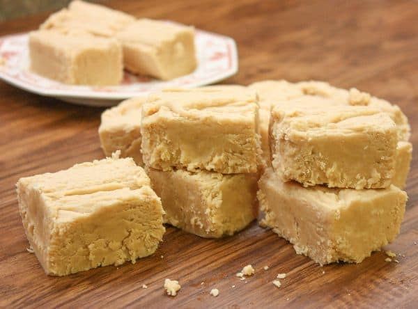 Easy peanut butter fudge marshmallow creme. Old Fashioned Fudge with Peanut Butter is a delicious dessert any time of year, especially around the holidays, including Christmas.