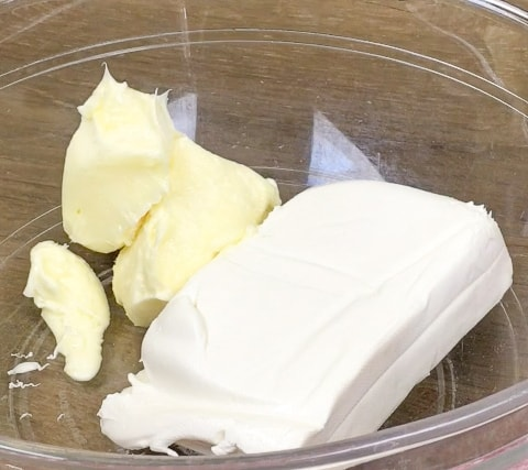 Picture of cream cheese and butter in a bowl.