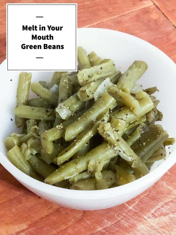 Picture of green beans in a white bowl