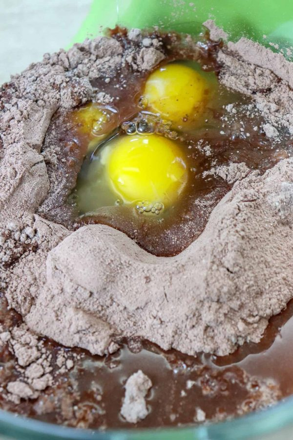 Picture of eggs in a large glass bowl