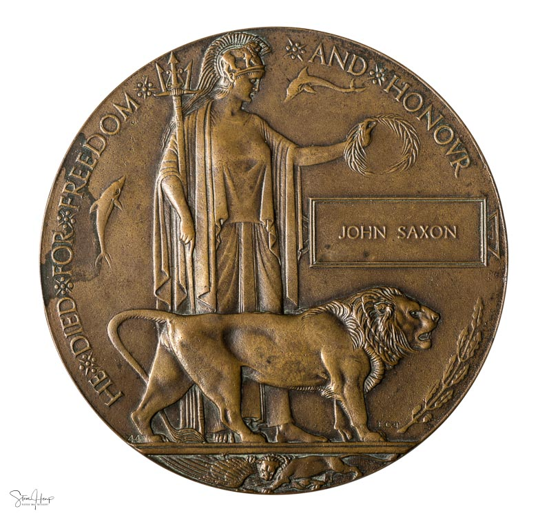 Antique historic medallion presented to soldiers families that died in the Great War