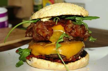 OTTO GOURMET Double Wagyu Cheeseburger