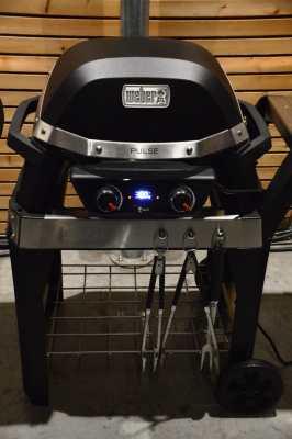 Weber Pulse 2000 bei 300 °C