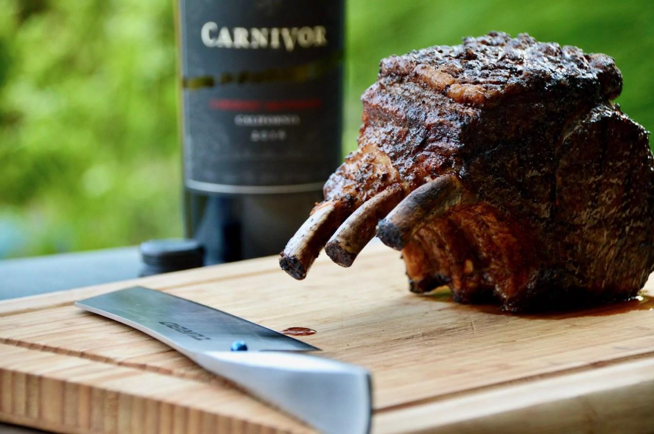 Frischeparadies Karree mit Carnivor Wein und Chroma-Messer