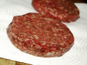 Double Wagyu-Cheeseburger mit Candybacon