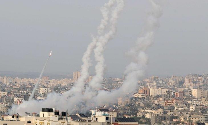 "Photo of بين ""أقفال الأوقاف"" وصواريخ ""القسام""..شباب القدس ""فعلوها"":"