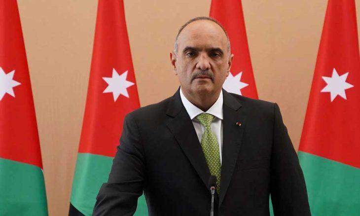 Photo of الأردن: «تبديل قفازات» تكنوقراطية… تعديل وزاري من صنف «يعجّل» في رحيل الحكومة لاحقاً