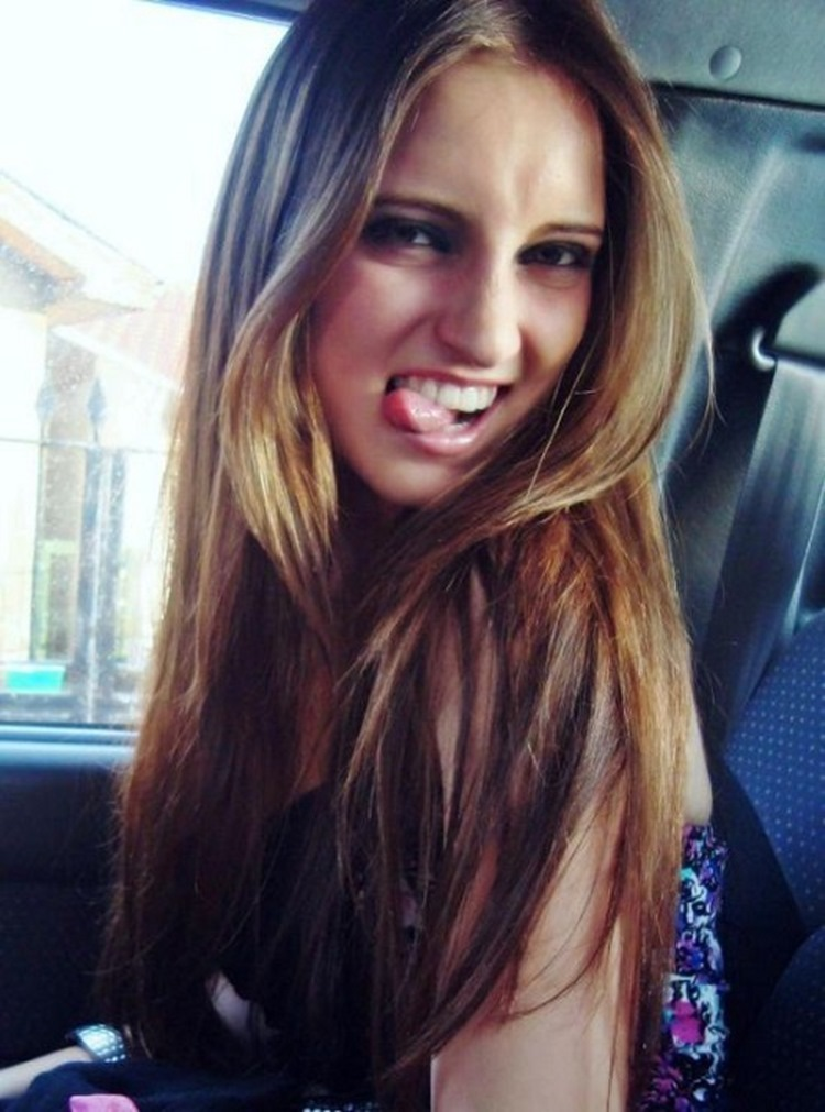 Goofy Girls are Cool in our Book (34 Photos) 4