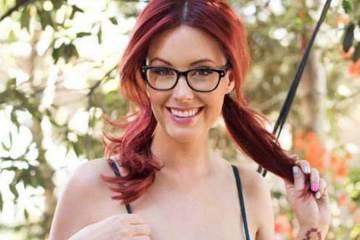 Sexy Badchix in Glasses