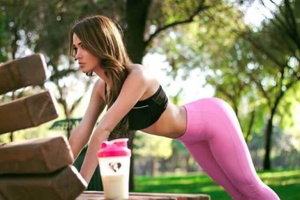 Today is a Good Day for Yoga Pants (32 Photos) 1