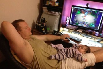 Daily Fresh Baked Randomness (45 Photos) dad and his child playing