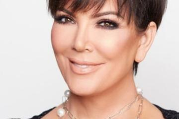 Kris Jenner's New Pearl Necklace get Mocked by Staples Canada on Twitter (5 Photos)
