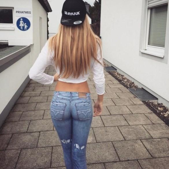 Tight jeans pics