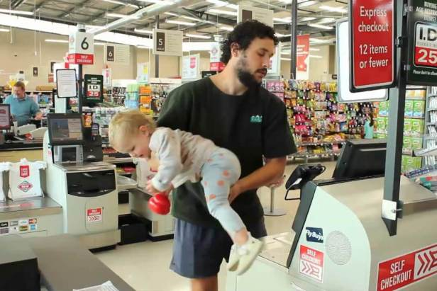 How To Dad in How To Grocery Shopping with a Baby