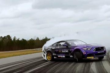 Chelsea DeNofa Get's Himself a new Mustang RTR V8