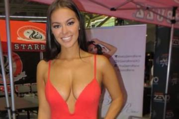 Dresses so Tight You'll Lose Almost Circulation (40 Photos)