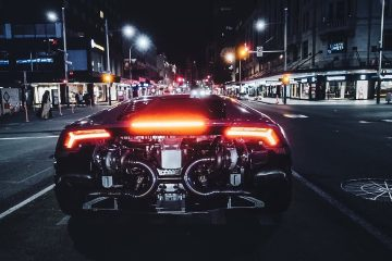 Mental 1000HP Twin Turbo Lamborghini Huracan Avio vs the Police 1