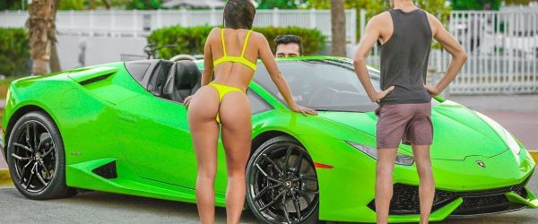 Gold Digger Prank With a Lamborghini 1