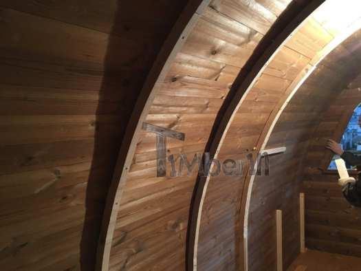 Die Breiteren Stützenden Holzbögen Für Die Isolierung Und Die Inneren Holzpaneele