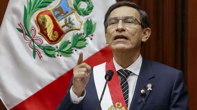 بيرو: البرلمان يعزل رئيس البلاد