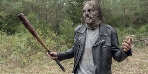 the-walking-dead-walk-with-us 10x12