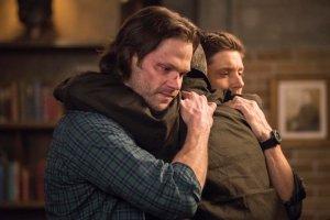 Supernatural Ackles Padalecki finale di serie le star condividono messaggi commoventi