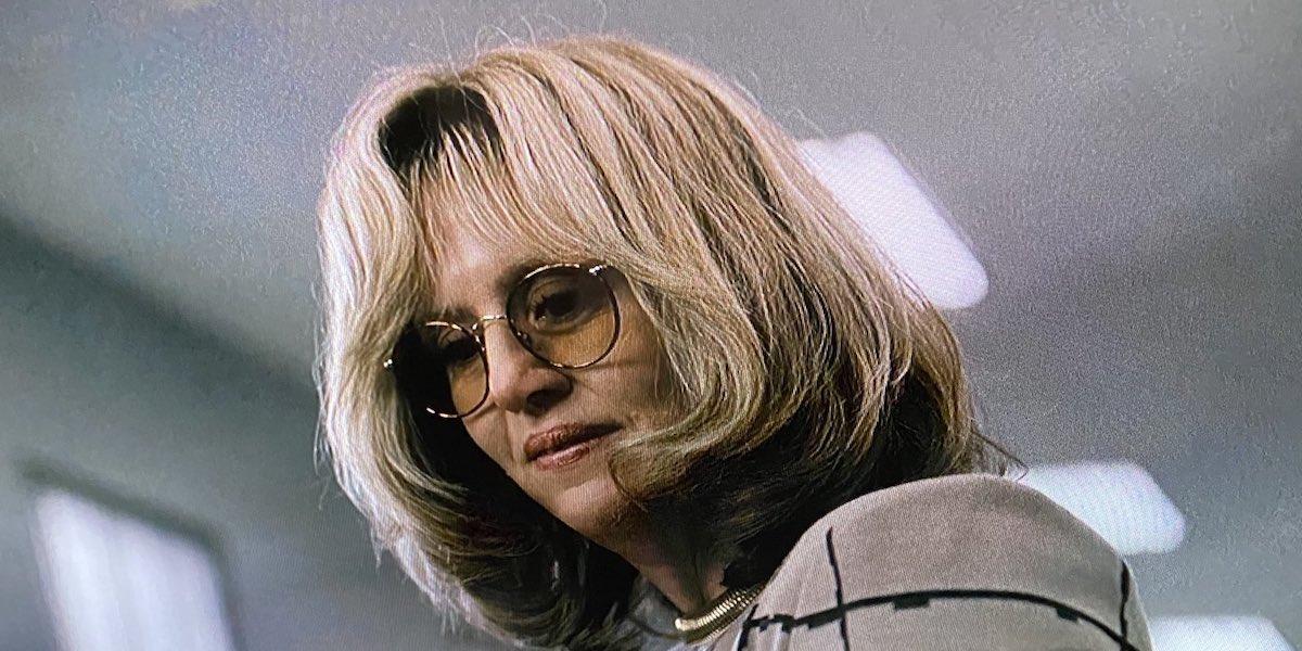 Impeachment: American Crime Story, Sarah Paulson irriconoscibile nelle nuove foto dal set