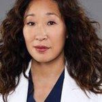 Ellen Pompeo si congratula con Sandra Oh per la nomination agli Emmy