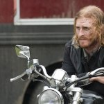 Austin Amelio di The Walking Dead si unisce a Fear the Walking Dead, il crossover si espande